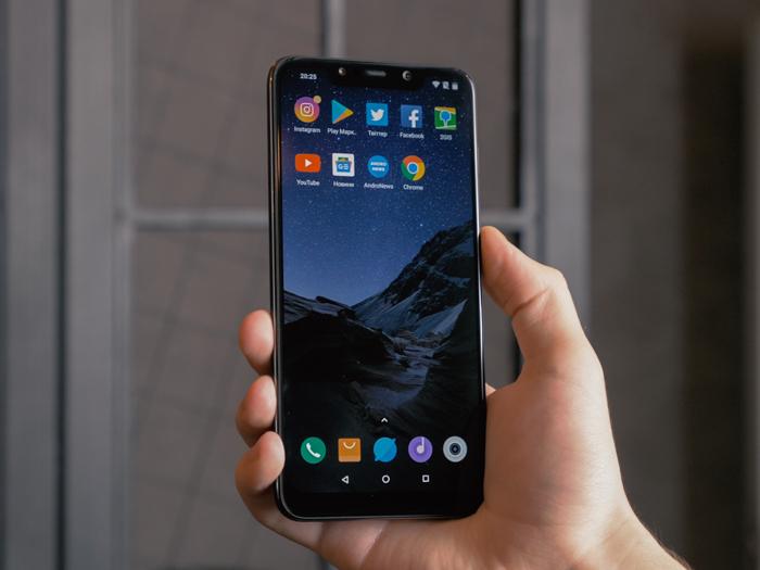 Огляд Xiaomi Pocophone F1 – кращий смартфон за свої гроші