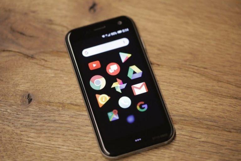 Представлений найкомпактніший у світі смартфон – Palm