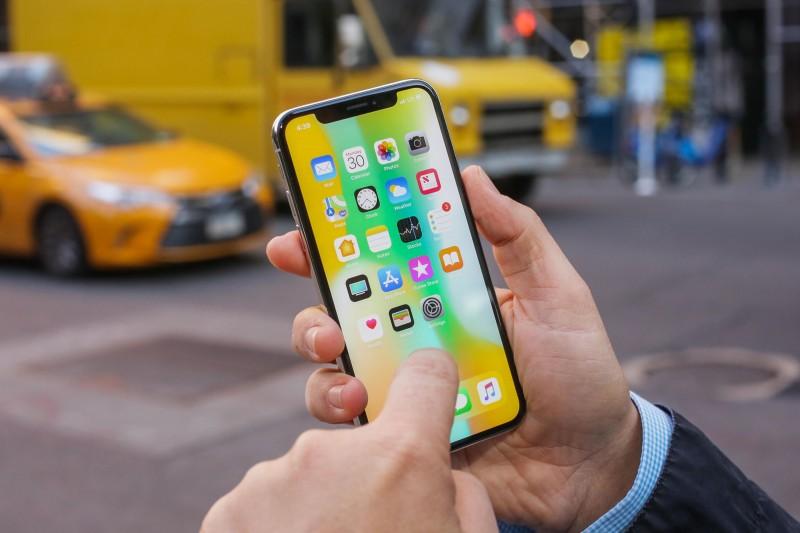 З'явилося офіційне підтвердження проблеми з тач-скріном iPhone X