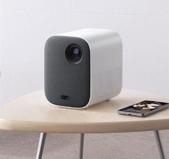 Проектор Xiaomi Mi Home Projector Youth Version доступний за 10 тисяч гривень