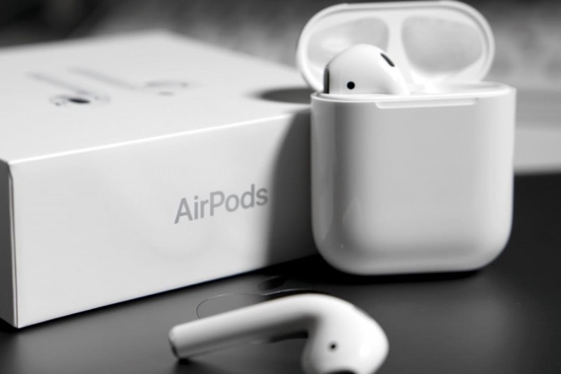 Бездротові навушники AirPods 2 від Apple надходять у продаж  28bb846ee7d72