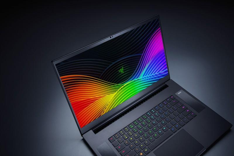 Геймерський ноутбук Razer Blade Pro 17 пропонує шестиядерний CPU Intel, відеокарти GeForce RTX і широкий набір портів
