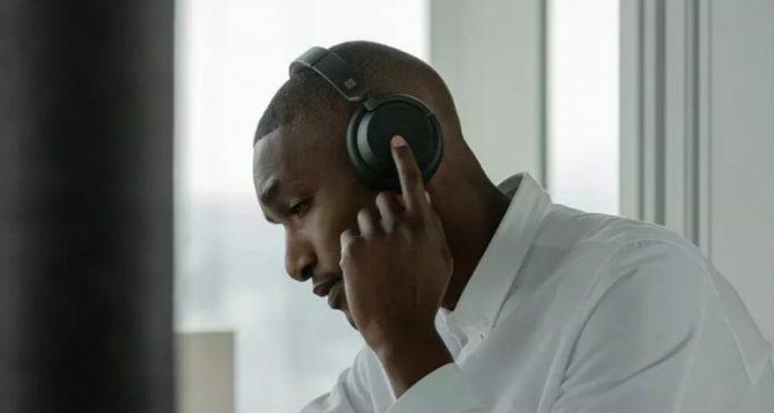 Microsoft запатентувала навушники зі сканером відбитків пальців