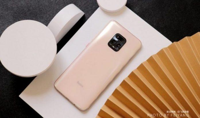Xiaomi перевіряє водостійкість нового Redmi 10X дивним способом