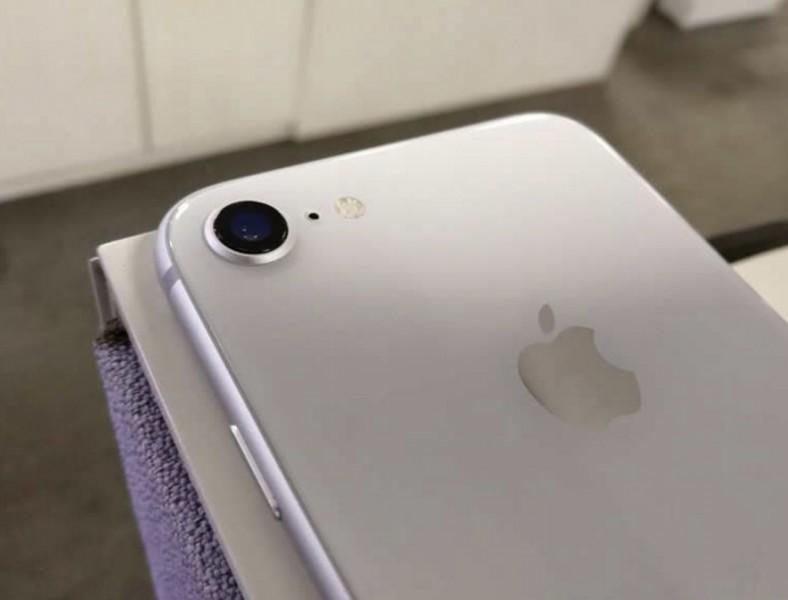 Експерти назвали найневигідніший iPhone на ринку – Статті   iTechua
