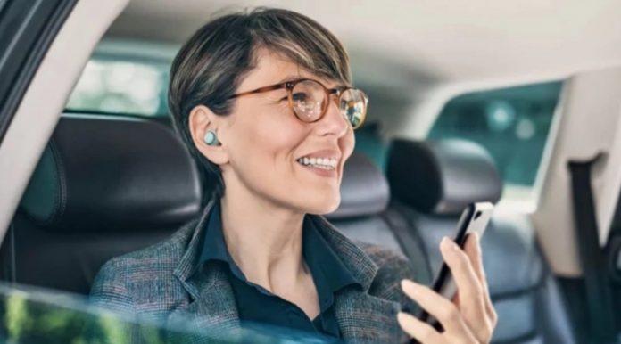 У продаж надійшли перші справжні бездротові навушники від Panasonic