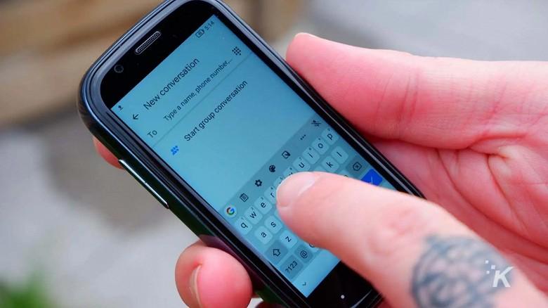 Найменший в світі смартфон з 3-дюймовим дисплеєм та Android 10 за $159 розірвав Kickstarter