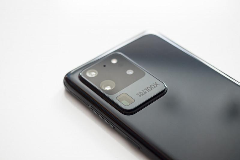 Названо топ-5 найстильніших смартфонів поточного року