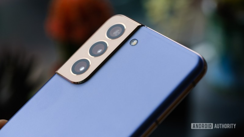Samsung випустила бета-версію Android 12 для своїх смартфонів